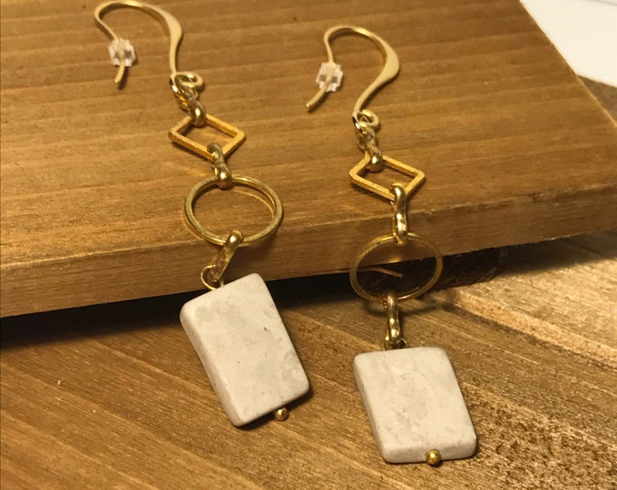 Elegant Gold-Plated Geometric Grey Stone Drop Earrings