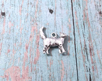 Cat charm 3D silver plated pewter (1 piece) - silver cat pendant, pet cat charm, gift for cat lover, walking cat pendant, M16