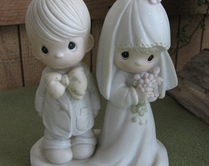 Precious Moments The Lord Bless You and Keep You Wedding Figurine Cedar Tree 1987 Cake Topper