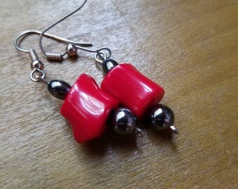 Dangling Bead Earrings in red and black