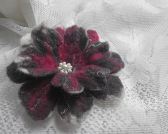 Felt Brooch,White Red Brown brooch, Felted flowers,Unique,Accessories,Poppy  Felt flower Brooch, Handmade Flower,Felt Jewelry , Brown Flower