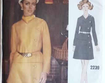 Vintage Sewing Pattern. Vogue 2239 Vogue Couturier design. Pertegaz Of Spain. FF unused