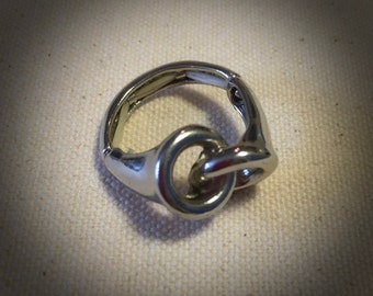 Chunky Metal Ring- friendship Linked Rings - Silver Tone Flexible Ring - Relationships Connection Symbol