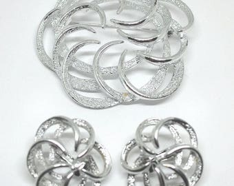 2 Pc Matching Sarah Coventry Silver Tone Pin and Earring Set