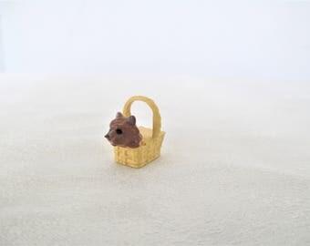 Wizard Of Oz Mini Toto Dog In Basket, Wizard Of Oz Miniature, Wizard Of Oz Dollhouse Mini, Dollhouse Miniature, Mini Dog In Basket