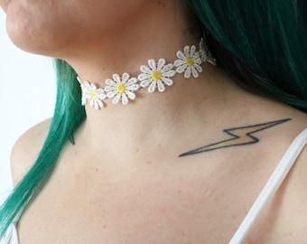 Daisy Choker - Flower Choker - Choker Necklace - Flower Necklace - Daisies - Thick Choker - Thin Choker - Floral Jewelry - Choker - Chokers