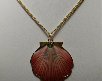 Vintage, Genuine 24kt. Gold Edged Pink Shell Pendant Necklace (1050066)