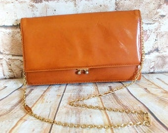 Vintage Suzy Smith Clutch Shoulder Bag Tan Light Brown Leather Made In England Bohemian c 1980s