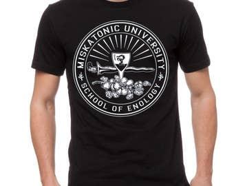 "H.P. Lovecraft ""Miskatonic University"" Cotton T-Shirt Black"