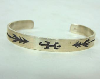Vintage Estate Sterling Silver Cuff Bracelet w/ Southwestern Lizard Design 16.8g E716