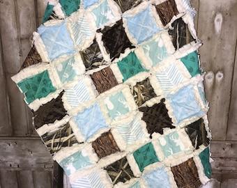 WOODLAND Baby Rag Quilt, Deer Hunting Baby Quilt, Deer Baby Quilt, Camo baby Quilt, Minky Baby Quilt, Deer minky blanket, hunting nursery