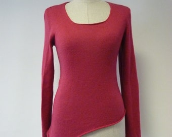 WINTER SALE. Warm soft asymmetrical pink woolen sweater, M size.