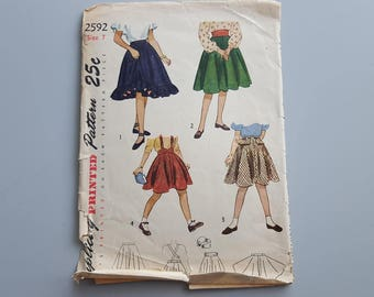 Vintage Simplicity 1940s Skirt Sewing Pattern 2592 Girls Skirts