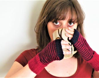 Hand Knitted Wool Gloves Hand Knit Wool mittens Women Knit fingerless angora gloves size  Medium Ready to ship