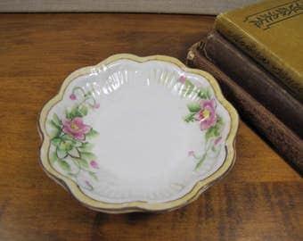 Small Nippon Dessert Bowl - Yellow Rim - Pink Flowers