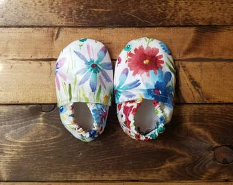 0-6 month watercolor floral baby shoes, infant moccasins, Easter crib shoes, Spring baby booties