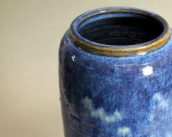 Floating Blue Heika Ikebana Vase
