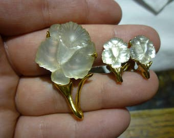E11 Vintage Gold Tone Brooch and Matching Earrings with Frosted White Flower.