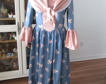 Colonial Period Day Dress (size 14)