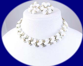 Vintage Charel Jewelry Set Chocker Earrings White lucite Gold Tone   Chocker Necklace Vintage Necklace Vintage Chocker