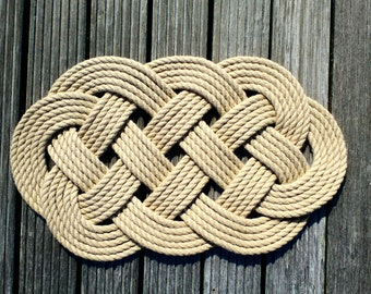 Nautical Rope Door Mat, Ocean Plait Knot, Coastal Beach Decor, Hand Knotted, Hand Sewn, Celtic Weave Knot. 19 x 11 inches (480 x 280 mm).