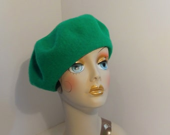 French Beret Wool 1930's Look Kelly Green