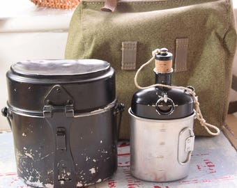 SWISS ARMY canteen set / Swiss military canteen set / old canteen set / canister canteen set / soldier canteen set