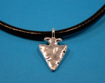 Pewter Arrowhead Charms   2 charms   (15 x 27 mm)