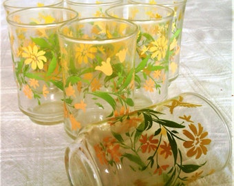 Seven Unique Vintage Juice Glasses With Yellow Flowers And Green Leaves