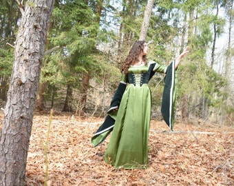 Medieval Gown; Morgana Pendragon Dress; Arwen Dress; Lord Of The Rings Costume; Druid Dress; Hooded Gown; Merlin Cosplay; Dark Ages Dress