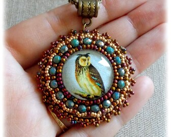 Totem OWL Locket / embroidered/turquoise Gold/Style antique/vintage/OWL /.