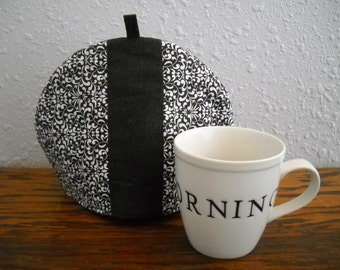 Reversible Tea cozy//Reversible Tea cosie//Quilted fabric tea cozy//Black and white tea cozy//Reversible Fabric tea cozy//Elegant cozy