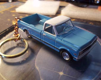 custom made stock keychain,1970 to 1973 chevy c-10 fleetside pick up truck,gloss sky blue w/silver mags-hand made chain and jumprings-mint