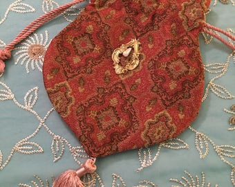 Reticule, RED and gold drapery MEDIUM reticule, Handmade, late 18th to late 19th century, drapery VELVET, gold pulls