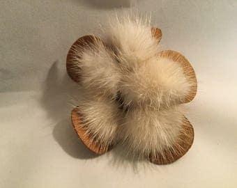 Vntahe Mink Flower Brooch, Vintage Brooch, Mink Brooch