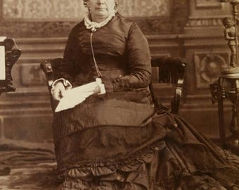 Victorian cabinet card photo woman in mourning holding A fan