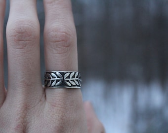 Sterling Silver Vine Ring // Size 8.25-8.5