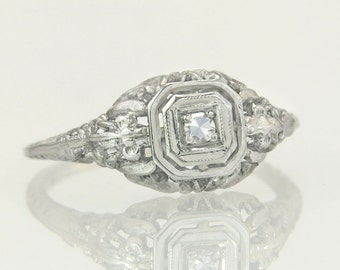 Antique Estate Deco .10ct Genuine Diamond 18K Gold Engagement Ring 1.6g