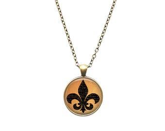 Vitnage jewelry French necklace Fleur De Lis pendant