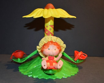 1980 Kenner Strawberry Shortcake Carrousel with Original Box