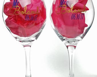 Mr and Mrs toasting glasses - personalized red wine glasses - bride and groom glasses - wedding toast - bridal shower gift ideas - one pair