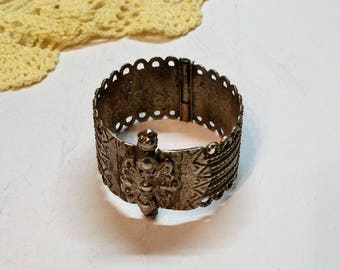Bracelet Bangle Berber jewellery silver unique handmade unique silversmiths turn lock SA206