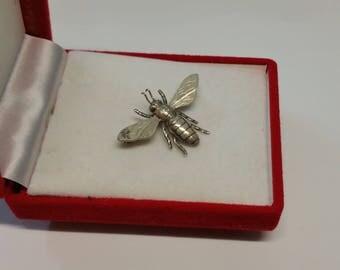 835 silver bee intervention art brooch SB215