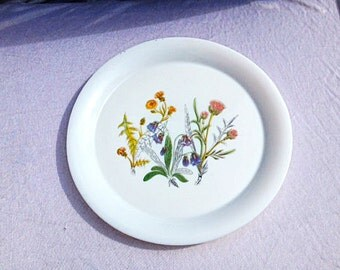 Arcopal Plate With Flowers 15.5 Inches Centerpiece Plate