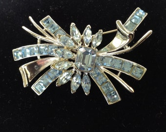 Stunning Light Blue Sapphire Rhinestone and Rhodium Brooch/Pin