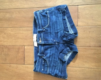 Abercrombie & Fitch Denim Blue Shorts Size4 W 27