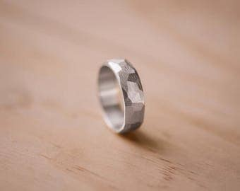 Faceted Argentium Silver Ring with Straight Line Texture - 100% Recycled Silver