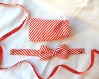 Bracelet knot stripes red and white diagonals
