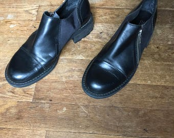 vintage 90s esprit de corp side zip black leather chunky heel womens shoes size 7 1/2 M made in brazil
