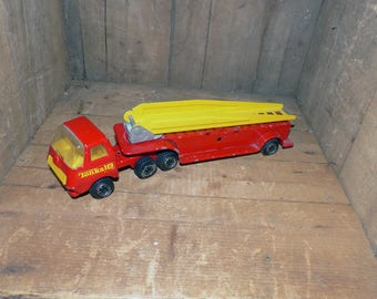 Vintage Metal Tonka 18 Firetruck with Moving Ladder 55010  - 1277